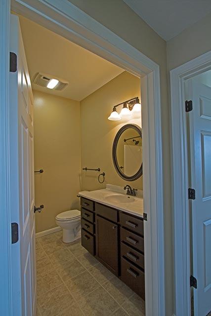 yellowstone-30-full-bathroom