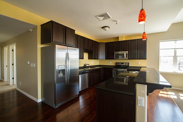 yellowstone-30-kitchen-2