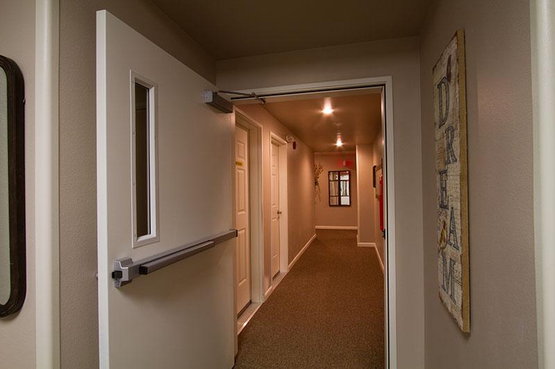 pv-interior-hallway-door-8333