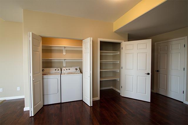 yellowstone-30-laundry-entrance